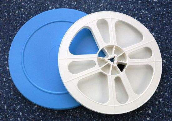 8mm film storage reel and can