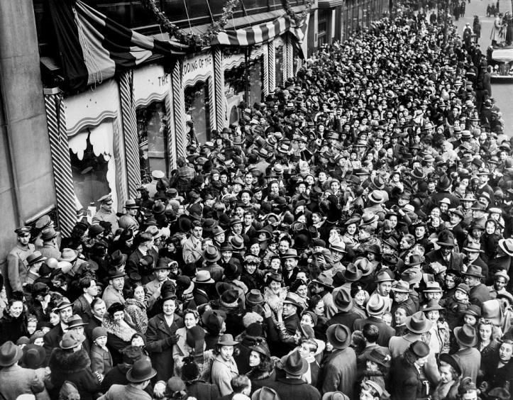Macys windows after 1939 parade HR PUT lr