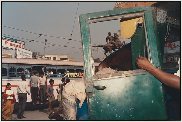 Raghubir Singh Modernism on the Ganges (2)