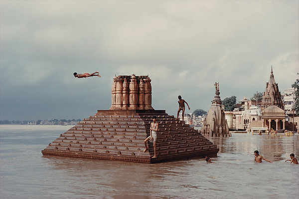 Raghubir Singh Modernism on the Ganges (4)